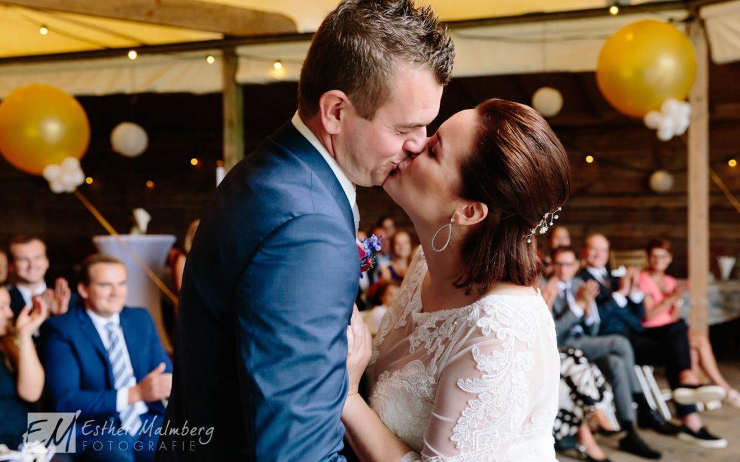 Bruiloft Esmee en Rob bij Hoeve Landzicht (slideshow)